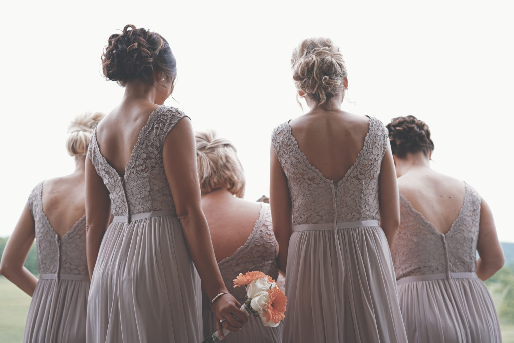 Want to Give Your Bridesmaids the best gift? Check out our list!